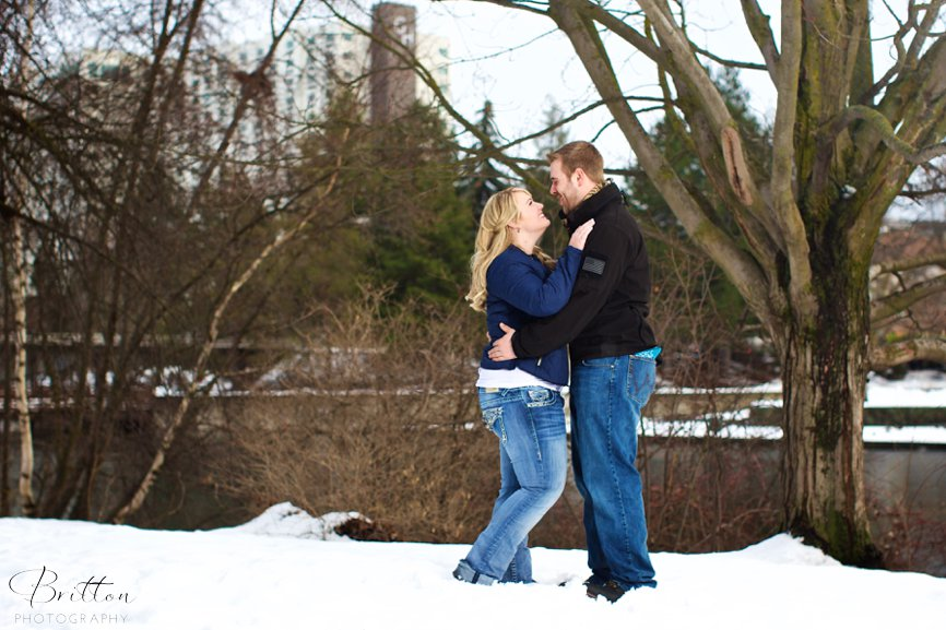 Photograph of a winter wedding proposal in Riverfront Park